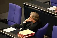 17 OCT 2003, BERLIN/GERMANY:<br /> Roland Koch, CDU, Ministerpraesident Hessen, verfolgt eine Bundestagdebatte, Plenum, Deutscher Bundestag<br /> IMAGE: 20031017-01-065