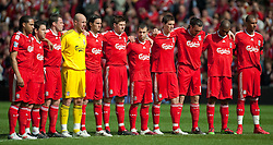 11.04.2010, Anfield, Liverpool, ENG, Premier League, FC Liverpool vs FC Fulham, im Bild Liverpool's players oberve a minutes silence to mark the 21st anniversary of the Hillsborough Stadium Disaster of the 15th April 1989, in which 96 Liverpool supporters lost their lives, before the Premiership match against Fulham at Anfield, the nearest game to the anniversary. EXPA Pictures © 2010, PhotoCredit: EXPA/ Propaganda/ D. Rawcliffe / SPORTIDA PHOTO AGENCY