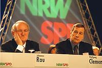 31 JAN 1998, DORTMUND/GERMANY:<br /> Johannes Rau, SPD, Ministerpräsident Nordrhein-Westfalen, und Wolfgang Clement, SPD, Wirtschaftsminister Nordrhein-Westfalen, auf dem Landesparteitag der SPD NRW<br /> IMAGE: 19980131-01/02-05