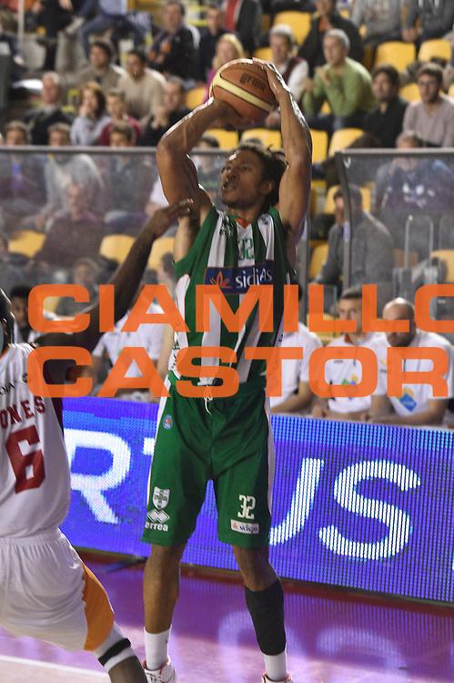 DESCRIZIONE : Roma Lega A 2014-15 <br /> Acea Virtus Roma - Sidigas Avellino <br /> GIOCATORE : Justin Harper<br /> CATEGORIA : tiro<br /> SQUADRA : Sidigas Avellino <br /> EVENTO : Campionato Lega A 2014-2015 <br /> GARA : Acea Virtus Roma - Sidigas Avellino <br /> DATA : 04/04/2015<br /> SPORT : Pallacanestro <br /> AUTORE : Agenzia Ciamillo-Castoria/GiulioCiamillo<br /> Galleria : Lega Basket A 2014-2015  <br /> Fotonotizia : Roma Lega A 2014-15 Acea Virtus Roma - Sidigas Avellino