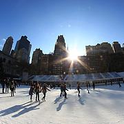 Ice skating at Bryant Park Ice Rink, Manhattan, New York, USA. Photo Tim Clayton