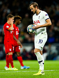 Harry Kane of Tottenham Hotspur steps up to take a penalty - Rogan/JMP - 01/10/2019 - FOOTBALL - Tottenham Hotspur Stadium - London, England - Tottenham Hotspur v Bayern Munich - UEFA Champions League Group B.