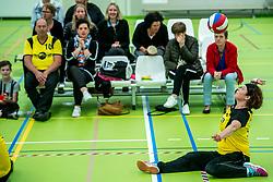 28-04-2018 NED: NK Zitvolleybal, Koog aan de Zaan<br /> vv Apollo Mill wint de kleine finale van het NK zitvolleybal met 3-2 van VC Allvo / Kitty Klop #9 of Apollo