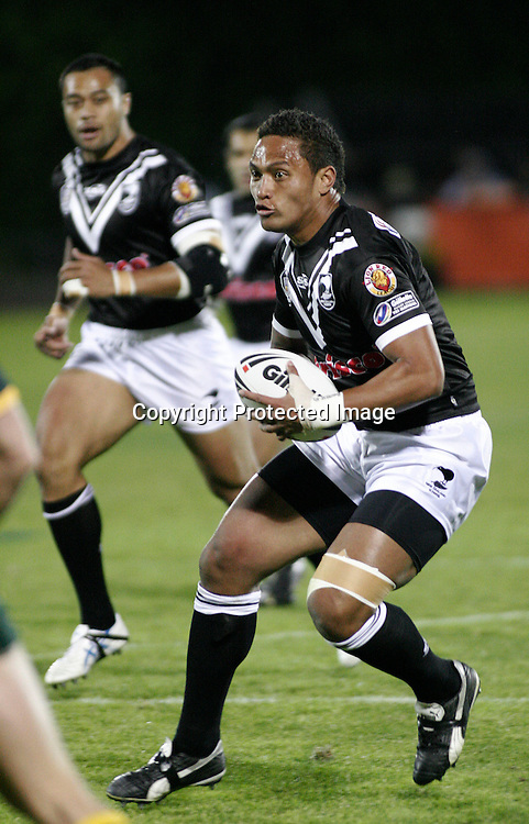 Kiwis Manu Vatuvei in action during the first Gillette Tri-Nations rugby league test match between the New Zealand Kiwis and Australian Kangaroos at Mt Smart Stadium, Auckland, New Zealand on Saturday 14 October 2006. The Kangaroos won the match 30:18. Photo: Andy Song/PHOTOSPORT