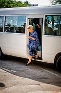ORANJESTAD - Prinses Beatrix komt aan bij de Universiteit van Aruba tijdens een werkbezoek aan de Antillen. ANP ROYAL IMAGES ROBIN UTRECHT NETHERLANDS ONLY