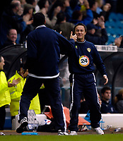 Photo: Jed Wee.<br />Leeds United v Southend United. Coca Cola Championship. 28/10/2006.<br /><br />Leeds' new manager Dennis Wise (R) celebrates with assistant Gus Poyet after their second goal clinches victory.