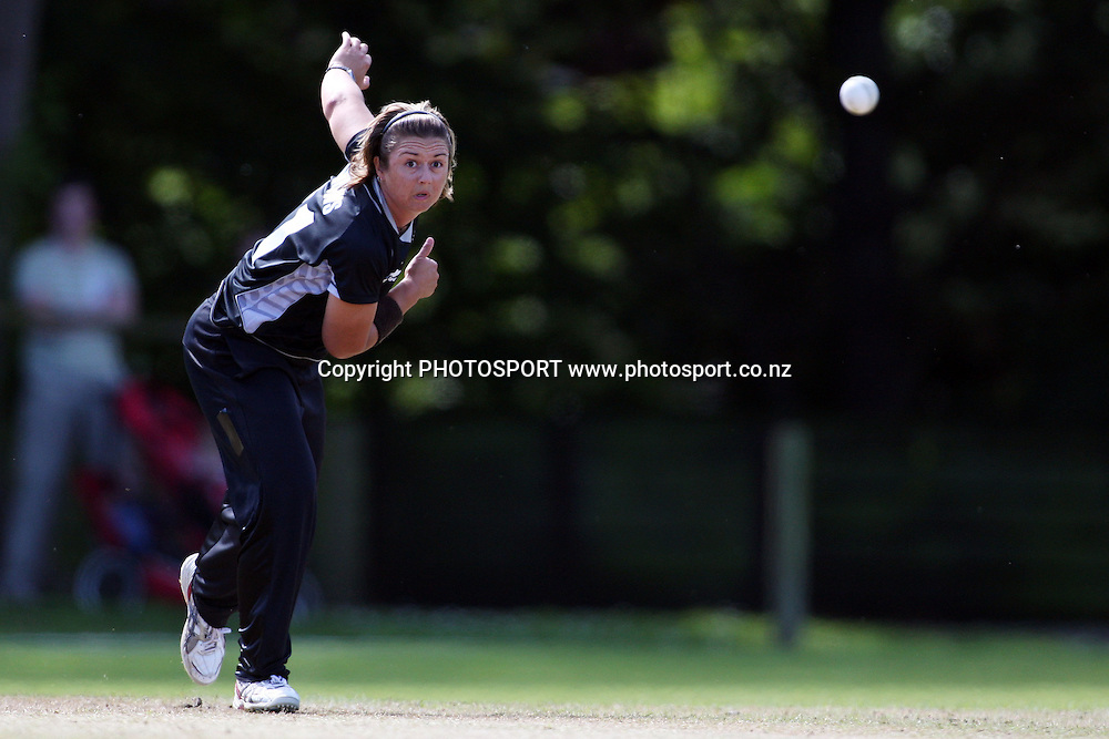 Abby Burrows bowling, New Zealand White Ferns v Australia, Rosebowl cricket series, One day international, Queens Park, Invercargill. 6 March 2010. Photo: William Booth/PHOTOSPORT