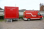 Mannheim. 29.07.17 | &Uuml;bung um M&uuml;hlauhafen<br /> M&uuml;hlauhafen. Rettungs&uuml;bung von Feuerwehr DLRG und ASB. Das Szenario: Ein Fahrgastschiff brennt und die Passagiere m&uuml;ssen gerettet werden. <br /> Auf der MS Oberrhein wird ge&uuml;bt. Dazu ankert das Schiff in der Fahrrinne des M&uuml;hlauhafens. Das Feuerl&ouml;schboot Metropolregion 1 kommt dazu.<br /> <br /> BILD- ID 0907 |<br /> Bild: Markus Prosswitz 29JUL17 / masterpress (Bild ist honorarpflichtig - No Model Release!)