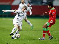 Fotball , 1. desember 2011 , - UEFA Europa League, Gruppenphase, Lokomotiv Moskva vs SK Sturm Graz. <br /> Bild zeigt Florian Kainz (Sturm) und Alberto Zapater (Lokomotiv).<br /> <br /> Norway only