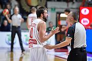 DESCRIZIONE : Varese Lega A 2014-15 Openjobmetis Varese - Consultinvest Pesaro<br /> GIOCATORE : Daniele Cavaliero<br /> CATEGORIA : Arbitro Referee Mani Delusione<br /> SQUADRA : Openjobmetis Varese - Consultinvest <br /> EVENTO : Campionato Lega A 2015-2016<br /> GARA : Openjobmetis Varese - Consultinvest <br /> DATA : 16/10/2015<br /> SPORT : Pallacanestro<br /> AUTORE : Agenzia Ciamillo-Castoria/M.Ozbot<br /> Galleria : Lega Basket A 2015-2016 <br /> Fotonotizia: Varese Lega A 2015-16 Openjobmetis Varese - Consultinvest