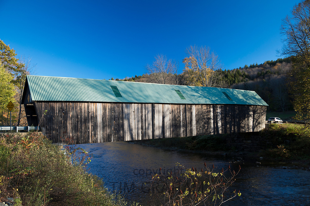 Lincoln covered bridge, at Woodstock, Vermont, New England, USA