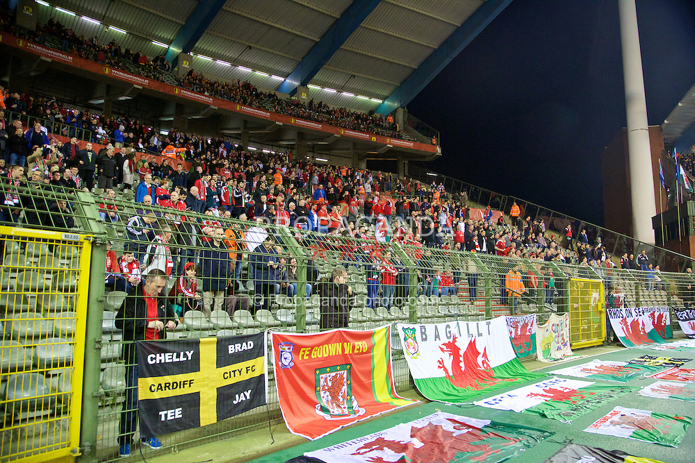 BRUSSELS, BELGIUM - Sunday, November 16, 2014: Wales supporters before the UEFA Euro 2016 Qualifying Group B game against Belgium at the King Baudouin [Heysel] Stadium. (Pic by David Rawcliffe/Propaganda)