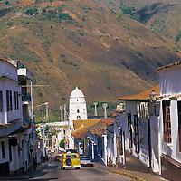 Calle y catedral de Trujillo, Estado Trujillo, Venezuela