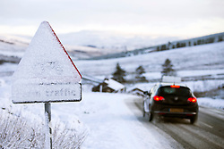 © Licensed to London News Pictures. 25/11/2017. Gearstones UK. Cars travel along the snow covered Newby Head pass in Gearstones this morning after a night of snow fall in the Yorkshire Dales. Photo credit: Andrew McCaren/LNP