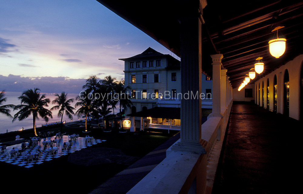 Dusk at Galle Face Hotel