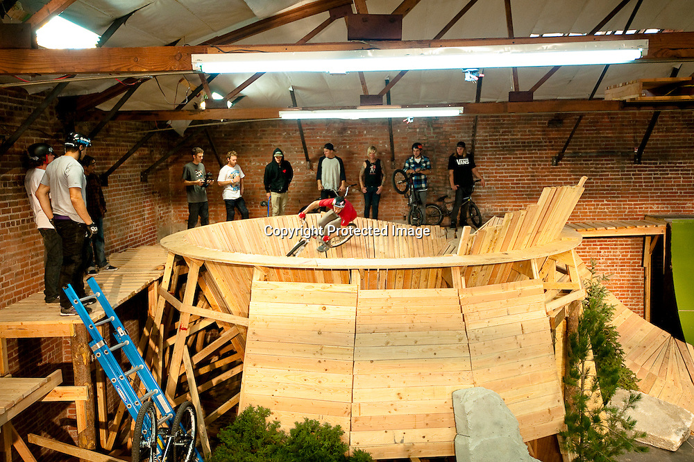 Everybody watches Eric Porter dive into the bowl on set of Fuel TV's Built To Shred.