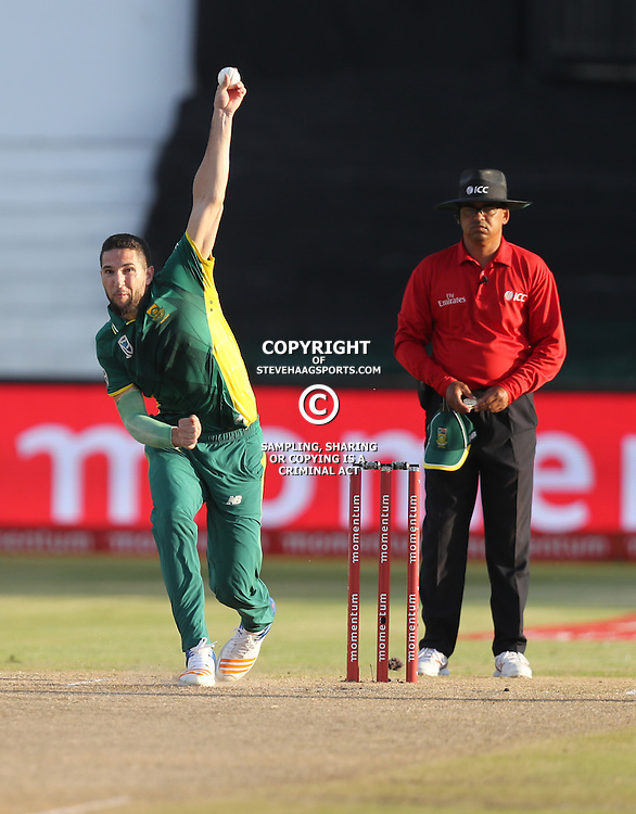 Wayne Parnell of the (South African Proteas) during the 2nd ODI Momentum One-Day International (ODI) series South African and Sri Lanka at Kingsmead, Durban, South Africa.1st February 2017 - (Photo by Steve Haag)