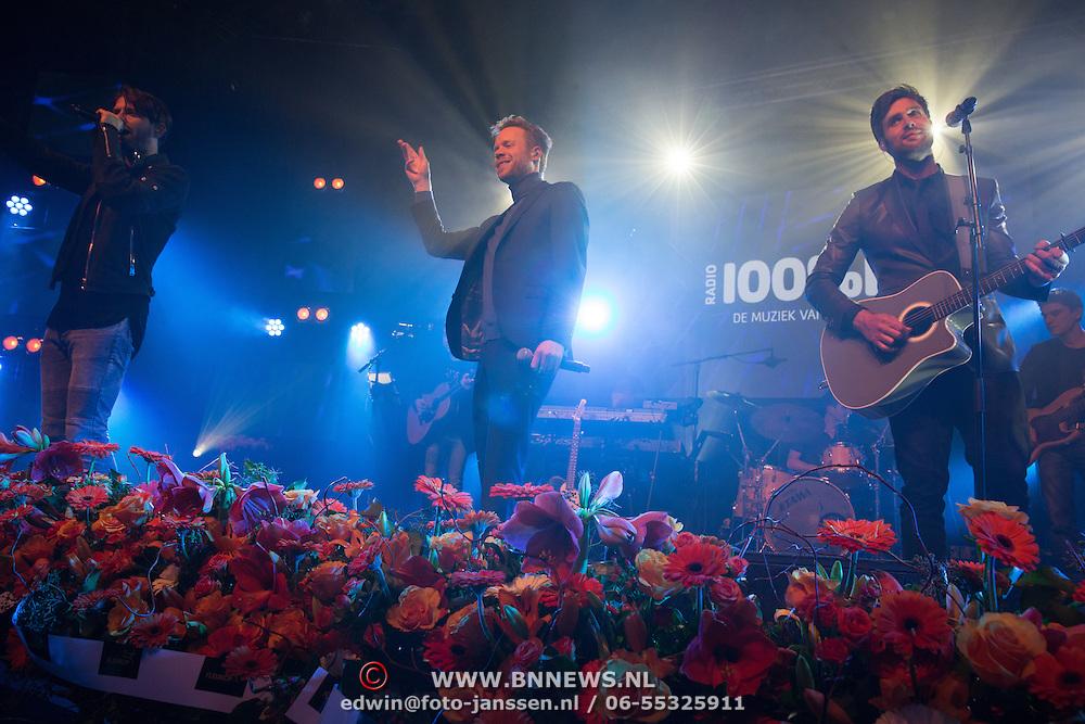 NLD/Uitgeest/20170207 - Uitreiking 100% NL Awards 2016 Diggy Dex en Nick en Simon
