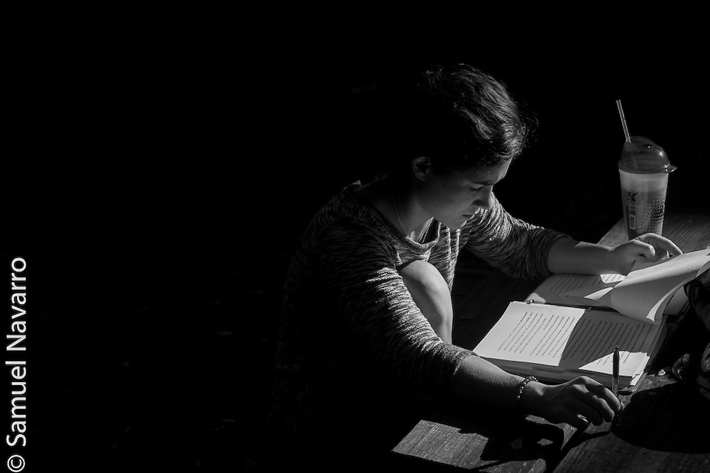 Ulmer goes over some schoolwork before heading into class. Her experience as an eating disorder patient was what made her pursue a career in mental heath counseling.(photo by Samuel Navarro)