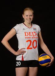 25-06-2013 VOLLEYBAL: NEDERLANDS VROUWEN VOLLEYBALTEAM: ARNHEM<br /> Selectie Oranje vrouwen seizoen 2013-2014 / Quirine Oosterveld<br /> ©2013-FotoHoogendoorn.nl