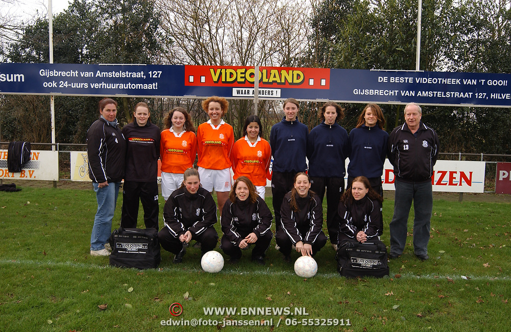Dames 1 SV Loosdrecht met nieuwe sponsor kleding