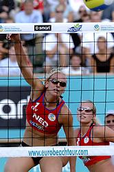 25-08-2006: VOLLEYBAL: NESTEA EUROPEAN CHAMPIONSHIP BEACHVOLLEYBALL: SCHEVENINGEN<br /> Marrit Leenstra<br /> ©2006-WWW.FOTOHOOGENDOORN.NL