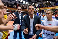19-02-2017 NED: Bekerfinale Draisma Dynamo - Seesing Personeel Orion, Zwolle<br /> In een uitverkochte Landstede Topsporthal wint Orion met 3-1 de bekerfinale van Dynamo / Coach Bas Hellinga