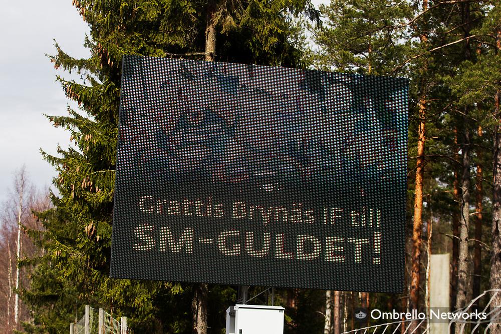 G&Auml;VLE  2012-04-15<br />EN SKYLT VID INFARTEN TILL G&Auml;VLE GRATULERAR BRYN&Auml;S TILL SM-GULDET.