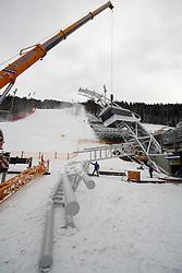 11.12.2012, Schladming, AUT, FIS Weltmeisterschaften Ski Alpin, Schladming 2013, Vorberichte, im Bild Änderungsarbeiten an der Spitze des voestalpine skygates am 11.12.2012 // operations on the top of the voestalpine skygate on 2012/12/11, preview to the FIS Alpine World Ski Championships 2013 at Schladming, Austria on 2012/12/11. EXPA Pictures © 2012, PhotoCredit: EXPA/ Martin Huber