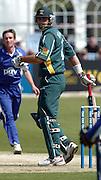2005 G&G, Sussex vs Nottingham at Hove, ENGLAND, 15.05.2005, Notts batting. Stephen Fleming..Photo  Peter Spurrier. .email images@intersport-images...