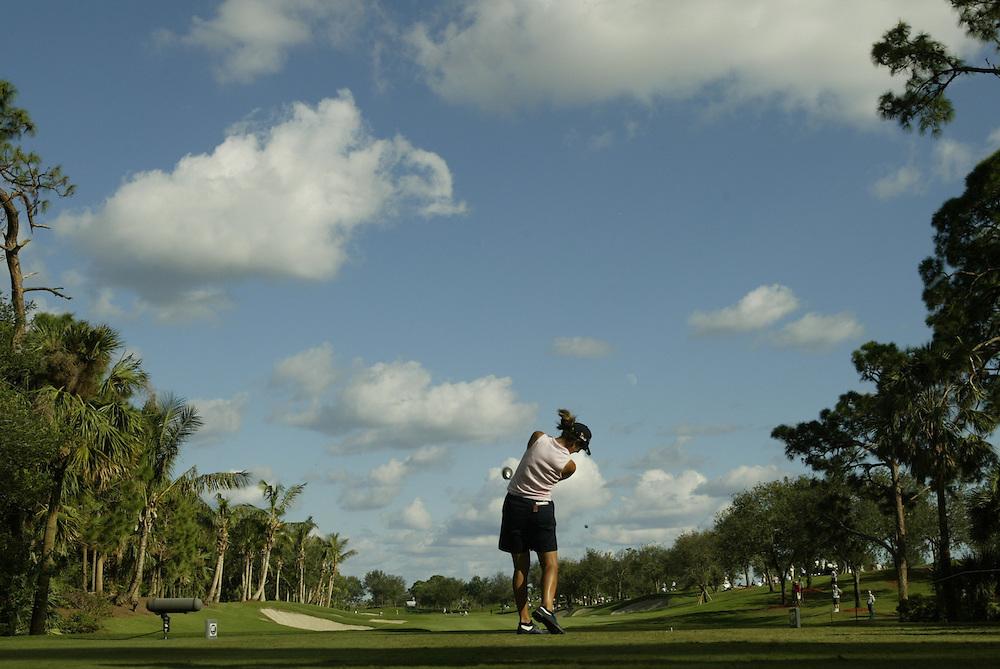 Laura Diaz..2004 ADT Championsip..Third Round.Trump International GC.West Palm Beach, FL.Saturday, November 20 2004..photograph by Darren Carroll..X72281 Tk 2
