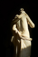 France, Paris (75), musee du Louvre, L'Amour et Psyché, marbre 1797, Antonio Canova, Possagno 1757 - Venise 1822 // France, Paris (75), Louvre museum, Eros and Psyche by Antonio Canova