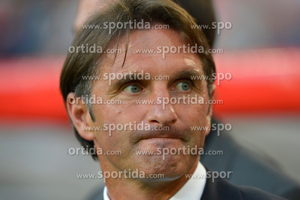 20.09.2012, Mercedes Benz Arena, Stuttgart, GER, UEFA Europa League, VfB Stuttgart vs Steaua Bukarest, Gruppe E, im Bild Trainer Bruno LABBADIA VfB Stuttgart Portrait Portrvßt skeptisch, // during the UEFA Europa League group E match between VfB Stuttgart and Steaua Bukarest at the Mercedes Benz Arena, Stuttgart, Germany on 2012/09/20. EXPA Pictures © 2012, PhotoCredit: EXPA/ Eibner/ Weber..***** ATTENTION - OUT OF GER *****