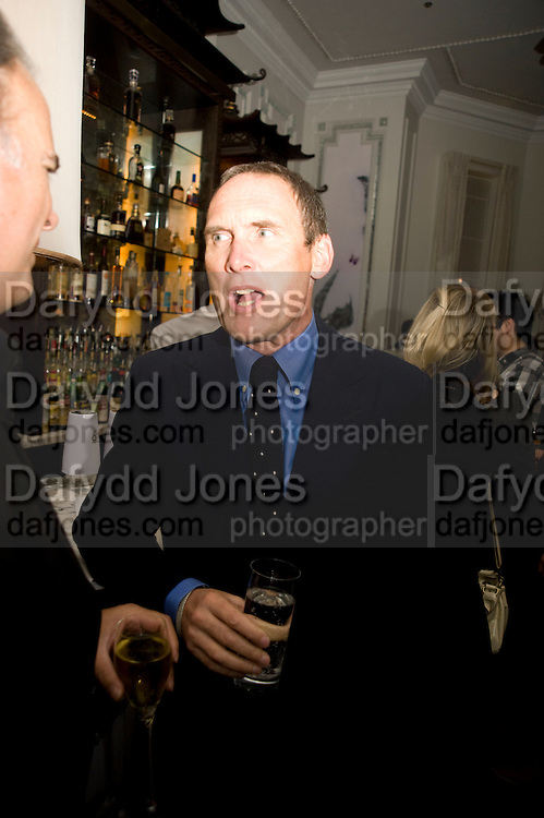 A.A. GILL Book party; Jessica Adams, Maggie Alderson, Imogen Edwards-Jones and Kathy Lette host the launch of 'In Bed With.' Artesian, The Langham, Portland Place. London. 11 February 2009 *** Local Caption *** -DO NOT ARCHIVE-© Copyright Photograph by Dafydd Jones. 248 Clapham Rd. London SW9 0PZ. Tel 0207 820 0771. www.dafjones.com.<br /> A.A. GILL Book party; Jessica Adams, Maggie Alderson, Imogen Edwards-Jones and Kathy Lette host the launch of 'In Bed With.' Artesian, The Langham, Portland Place. London. 11 February 2009