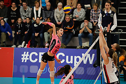 20180110 NED: CEV CUP Sliedrecht Sport - Beziers Angels VB: Sliedrecht<br />Clara Martin (9) of Beziers VB<br />©2018-FotoHoogendoorn.nl / Pim Waslander