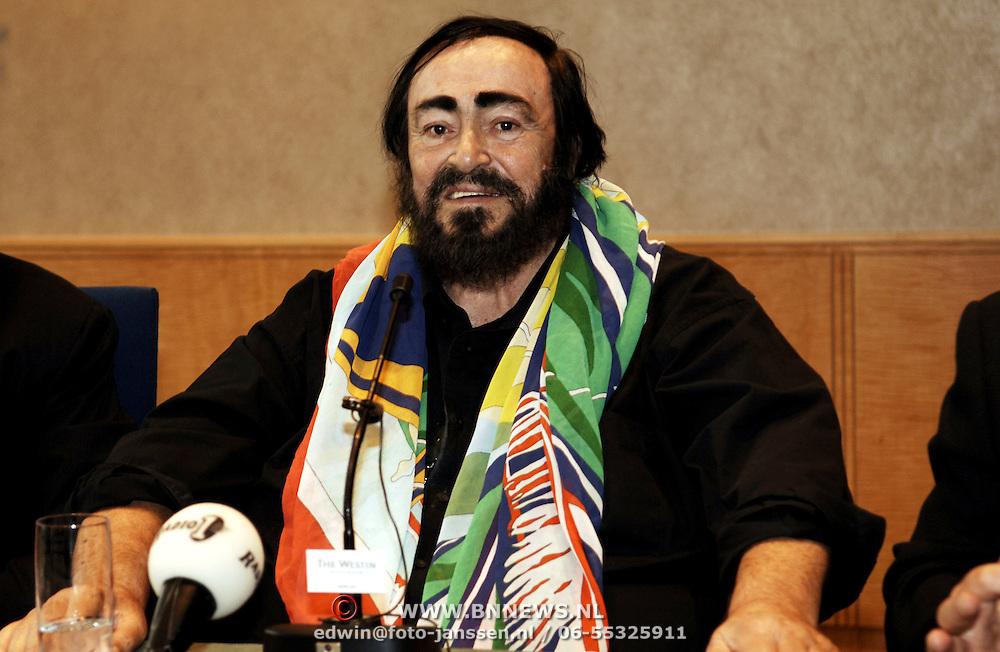 Persconferentie Luciano Pavarotti,