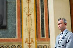01.07.2016, Parlament, Wien, AUT, Parlament, Statement des Präsidiums zum Urteil des Verfassungsgerichtshof. Der VFGH hat heute die Stichwahl der BP-Wahl aufgehoben, im Bild Dritter Nationalratspraesident Norbert Hofer (FPÖ) // 3rd President of the National Council Norbert Hofer (FPOe) during statement of the National Council presidium due to the repeal of the presidential election 2016 at austrian parliament in Vienna, Austria on 2016/07/01, EXPA Pictures © 2016, PhotoCredit: EXPA/ Michael Gruber