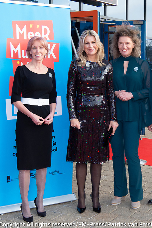 Koningin Maxima, als erevoorzitter van Meer Muziek in de Klas, tijdens het Kerst Muziekgala 2019 in de IJsselhallen in Zwolle. <br /> <br /> Queen Maxima, as honorary chairman of More Music in the Classroom, during the Christmas Music Gala 2019 in the IJsselhallen in Zwolle.<br /> <br /> Op de foto / On the photo: Queen Maxima / Koningin Maxima