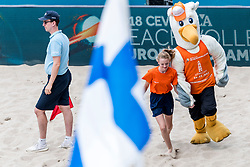 19-07-2018 NED: CEV DELA Beach Volleyball European Championship day 5<br /> Mini of the day and Mascot Spike