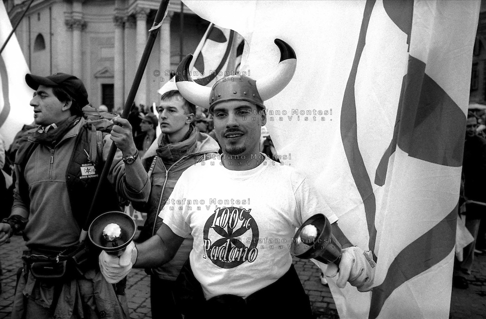Roma 5 Dicembre 1999.Manifestazione della Lega Nord per la Devolution.Rome, Dec. 5, 1999.Manifestation of the Northern League for Devolution