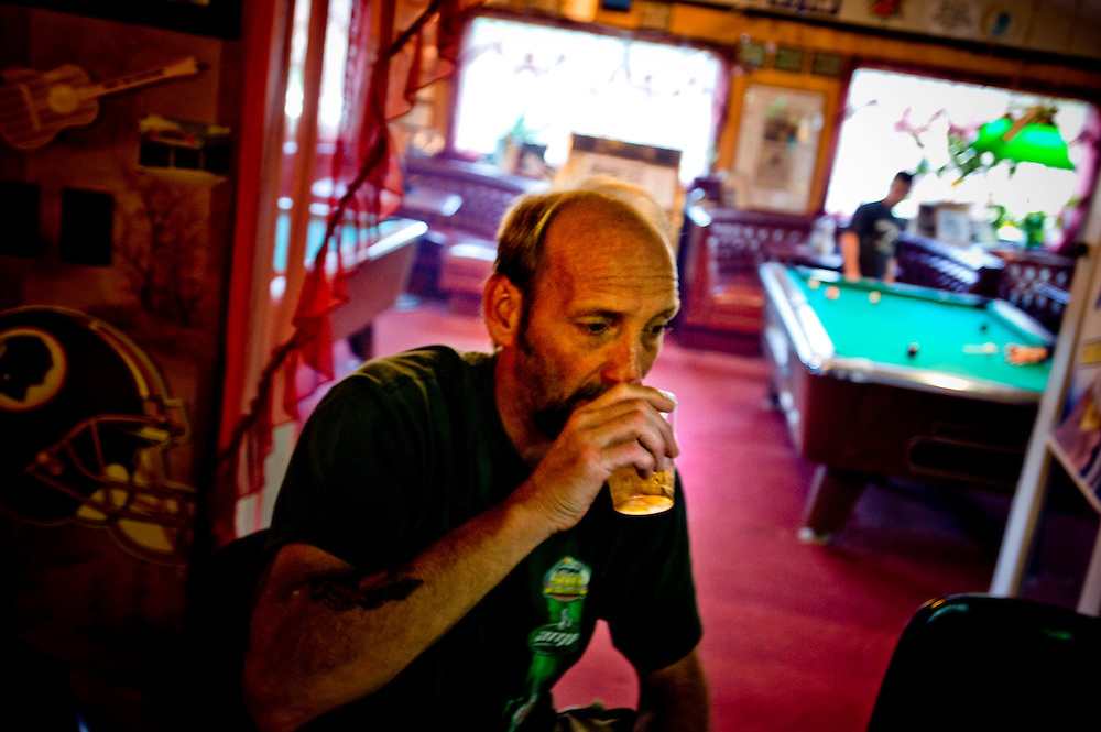 "Doug Miller ""Luke"" at the Trubadour bar in West Virginia..Photographer: Chris Maluszynski /MOMENT"