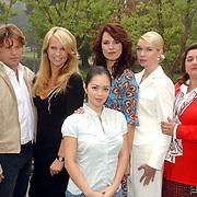 NLD/Amsterdam/20051005 - Persviewing Gooise Vrouwen, Peter Paul Muller, Linda de Mol, Cysteine Carreon, Susan Visser, Tjitske Reidinga, Annet Malherbe