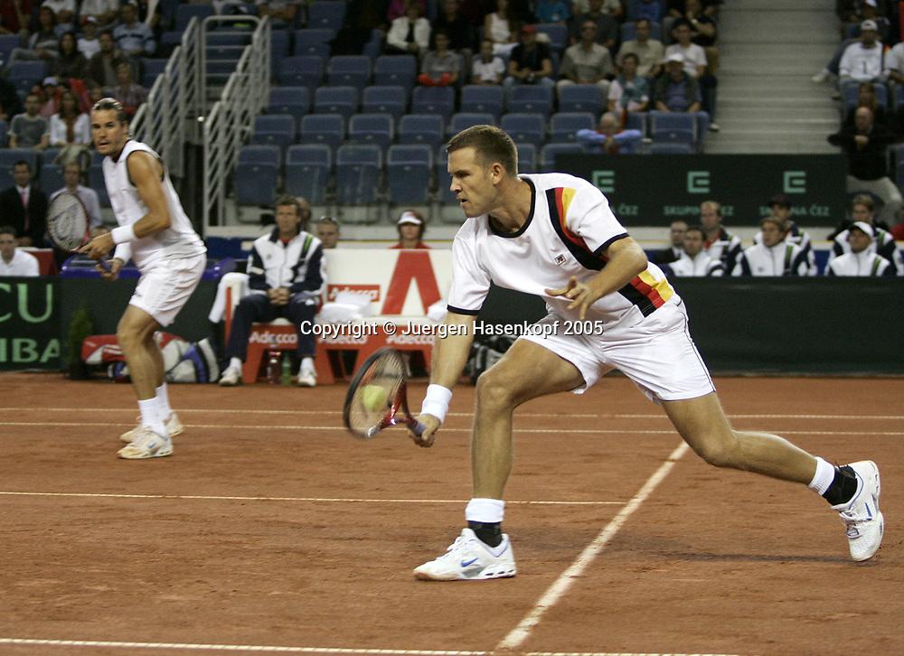 TOMMY HAAS/ALEXANDER WASKE, Doppel, Davis CUP 2005, Czech Rep.-GER, Liberec<br /> <br /> Tennis - Davis Cup 2005 - ITF Davis Cup -  Arena Tipsport - Liberec -  - Czech Republic - 24 September 2005. <br /> &copy; Juergen Hasenkopf