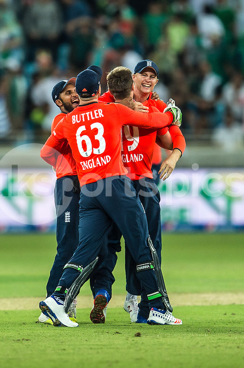 England celebrate the victory and the series in the 2nd International T20 Series match between Pakistan and England at Dubai International Cricket Stadium, Dubai, UAE on 27 November 2015. Photo by Grant Winter.