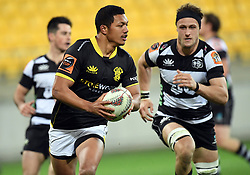 Wellington's Malo Tuitama runs pass Hawkes Bay's Hugh Renton to score in the Mitre 10 Cup rugby match at Westpac Stadium, Wellington, New Zealand, Wednesday, September 06, 2017. Credit:SNPA / Ross Setford  **NO ARCHIVING**