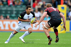 Bath centre Gavin Henson in possession - Photo mandatory by-line: Patrick Khachfe/JMP - Tel: Mobile: 07966 386802 - 22/09/2013 - SPORT - RUGBY UNION - Allianz Park, London- Saracens v Bath Rugby - Aviva Premiership.