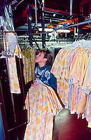 Fiona Cassidy, bagging machine, SR. Gent. Barnsley 26/2/91.