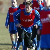 St Johnstone Training....05.03.04<br />Paul Bernard sprints during training before tomorrow's game v Clyde.<br />see story by Gordon Bannerman Tel: 01738 553978 or 07729 865788<br />Picture by Graeme Hart.<br />Copyright Perthshire Picture Agency<br />Tel: 01738 623350  Mobile: 07990 594431