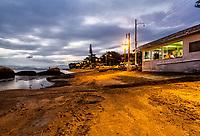Praia da Tapera ao anoitecer. Florianópolis, Santa Catarina, Brasil. / Tapera Beach at evening. Florianopolis, Santa Catarina, Brazil.