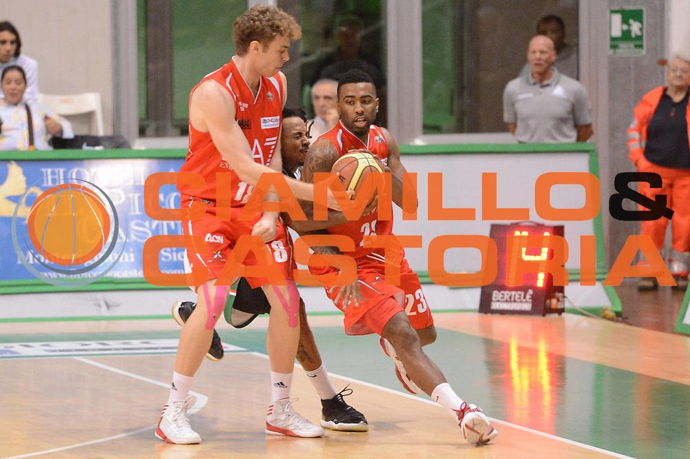 DESCRIZIONE : Siena Lega A 2012-13 Montepaschi Siena EA7 Emporio Armani Milano<br /> GIOCATORE : Melli Nicolo<br /> CATEGORIA : blocco tecnica controcampo<br /> SQUADRA : EA7 Emporio Armani Milano<br /> EVENTO : Campionato Lega A 2012-2013 <br /> GARA : Montepaschi Siena EA7 Emporio Armani Milano<br /> DATA : 05/11/2012<br /> SPORT : Pallacanestro <br /> AUTORE : Agenzia Ciamillo-Castoria/GiulioCiamillo<br /> Galleria : Lega Basket A 2012-2013  <br /> Fotonotizia :  Siena Lega A 2012-13 Montepaschi Siena EA7 Emporio Armani Milano<br /> Predefinita :